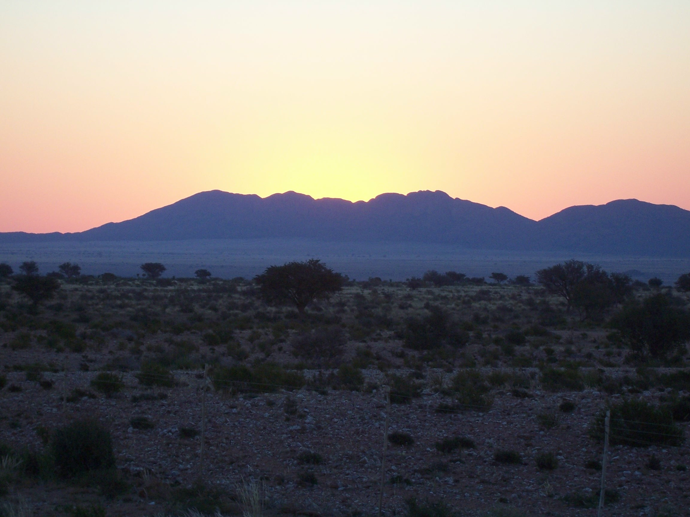 Amazing dawns and sunsets in the desert